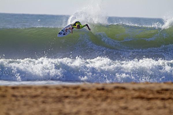 Jessica Robertson Surfing